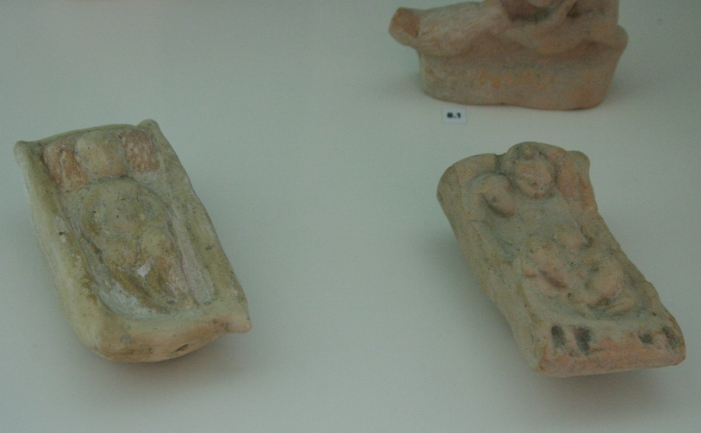 Κουδουνίστρες. 300 π.Χ. Αρχαιολογικό Μουσείο του Τάραντα, Κάτω Ιταλία